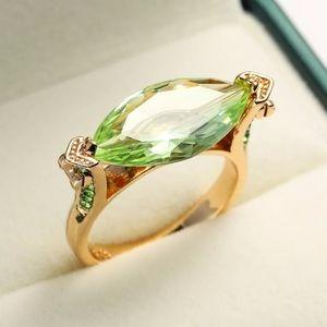 🎀18k/925 Peridot Horse Eye Ring
